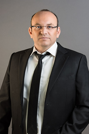Adv. Dan Shwec