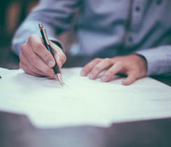 זכות העיון בתיק משפטי – האם טיעונים משפטיים נחשבים למעין סוד מסחרי?